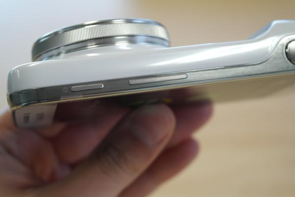 Hands-on with the Samsung Galaxy S4 Zoom