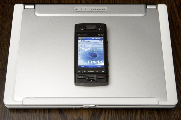 Telstra and i-mate partner to launch new Ultimate devices