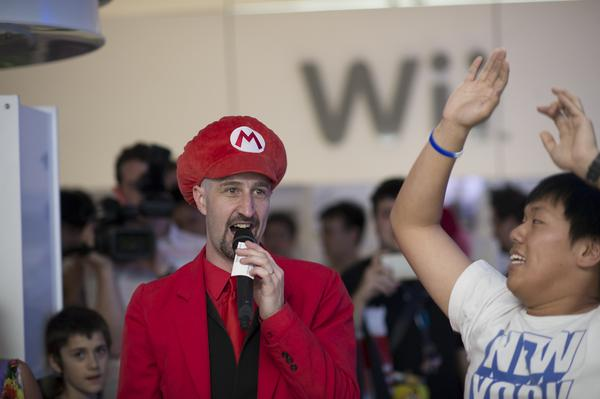 Wii U launches overnight (+ 49 photos)