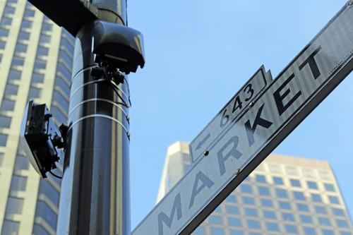 San Francisco gives its main street free Wi-Fi, eyes citywide service