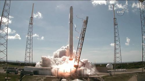 A Space X Falcon 9 rocket lifts off from Cape Canaveral Air Station in Florida on July 28, 2015.