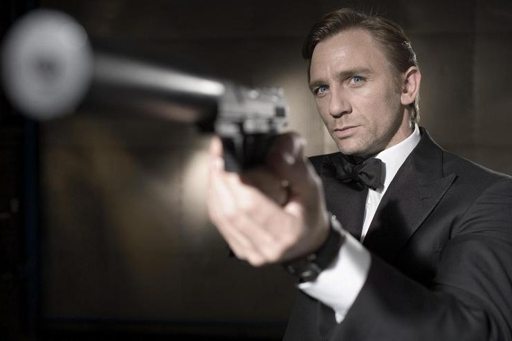 Daniel Craig will reprise his role for James Bond 007: Blood Stone