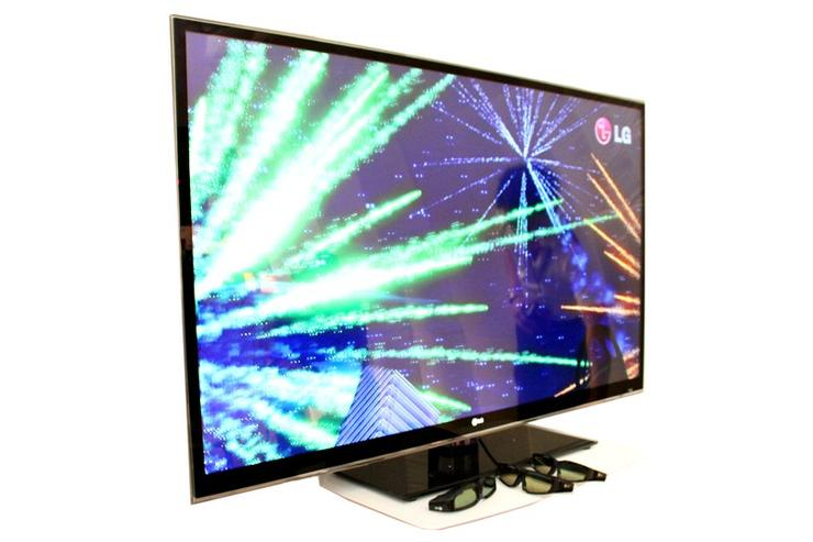 The LG INFINIA LX9500 is the first 3D TV using LED back-lighting, with a sheet of 1200 LEDs used on the 55in model.