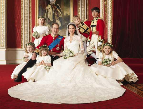 The Royal Wedding at Buckingham Palace on 29th April 2011: The Bride and Groom, TRH The Duke and Duchess of Cambridge in the centre with attendants, (clockwise from bottom right) The Hon. Margarita Armstrong-Jones, Miss Eliza Lopes, Miss Grace van Cutsem, Lady Louise Windsor, Master Tom Pettifer, Master William Lowther-Pinkerton,