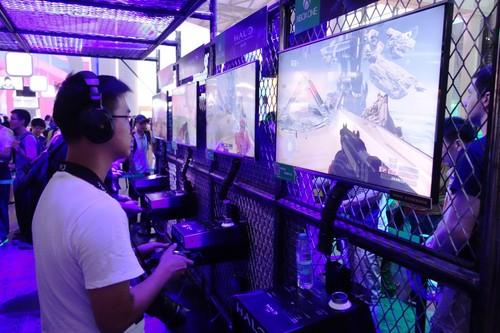 A Chinese gamer plays Halo: The Master Chief Collection at the ChinaJoy show.