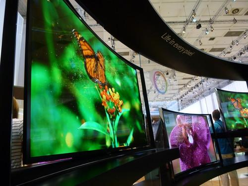 Curved-screen TVs fall flat