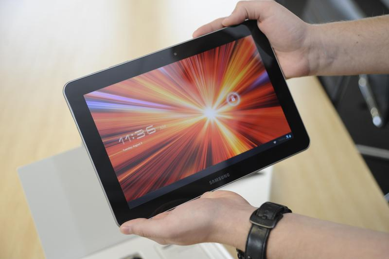 Unboxing the Samsung Galaxy Tab 10.1
