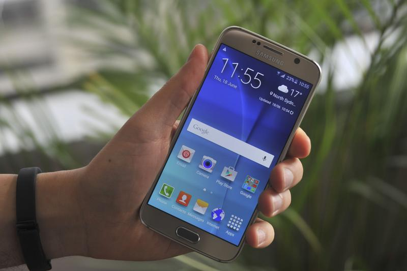Photos: Samsung Galaxy S6 in Gold Platinum