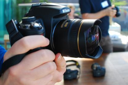 The Nikon D5000 is light and easy to hold. It has large mode dial, a dedicated dial for changing the shutter speed, and the aperture can be changed by using the same dial while also pressing the exposure button.