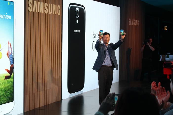 Samsung Australia's senior vice president and managing director, S.R.Yoon, unveiling the Galaxy S4 last night in Sydney.