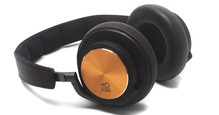 bang olufsen beoplay h6 review worth every cent. Black Bedroom Furniture Sets. Home Design Ideas