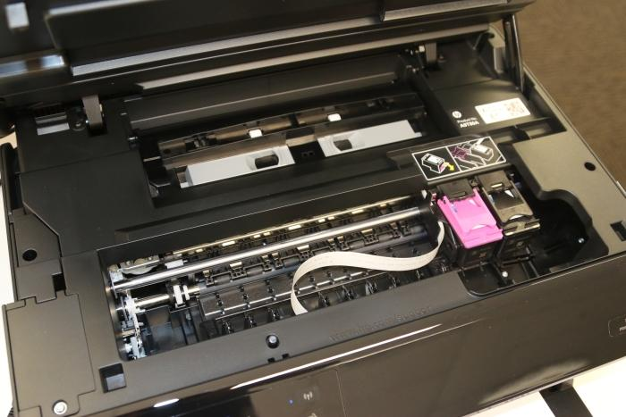 The cartridge replacement procedure is simple.