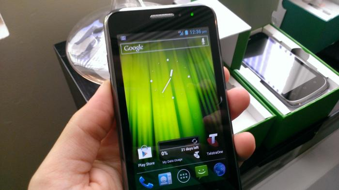 The Frontier 4G has a 4in touchscreen.