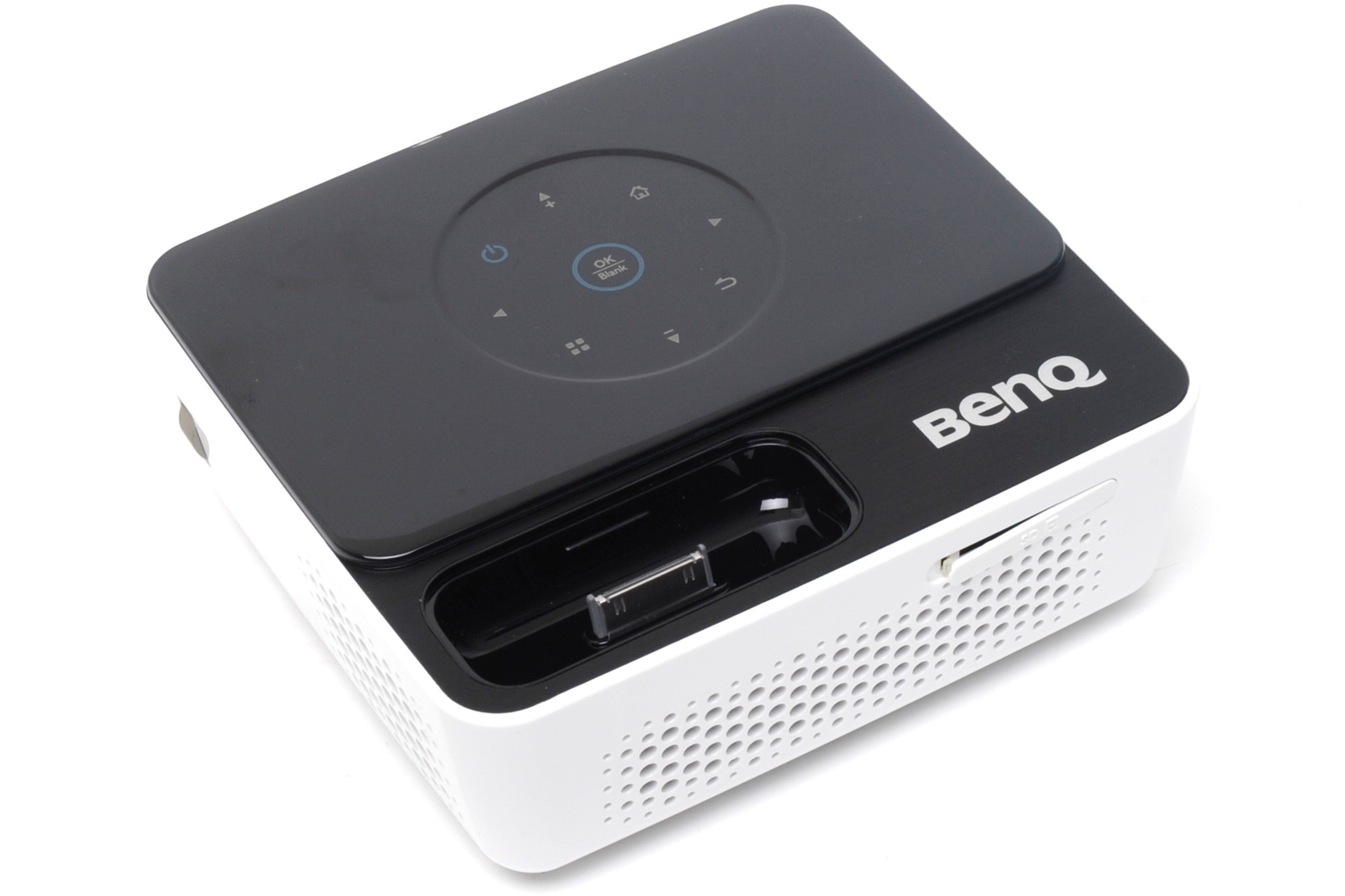 Benq australia joybee gp2 review this miniature projector for Portable projector for laptop