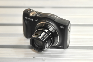 Fujifilm FinePix F770EXR camera