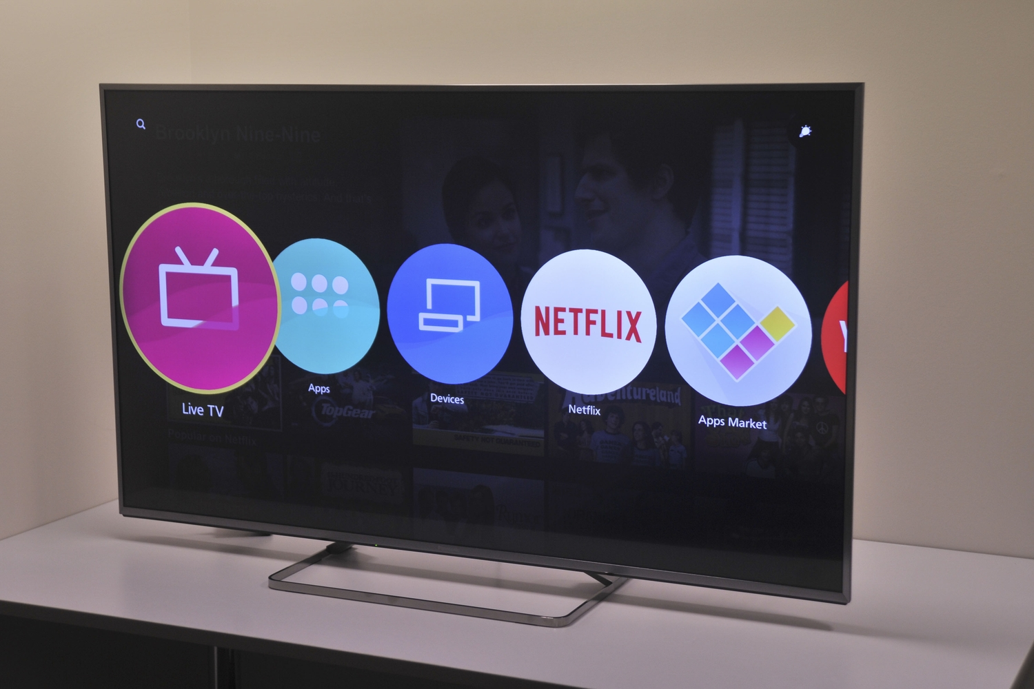 panasonic viera 60xc700a review great picture quality let down by bipolar software leaving. Black Bedroom Furniture Sets. Home Design Ideas
